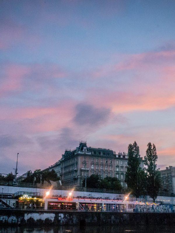 "Illustration: So Wien – ""Sommernacht"""